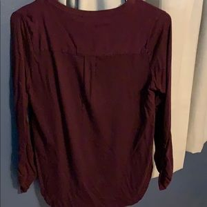 Merona Tops - Comfortable 3/4 length sleeve V-neck top